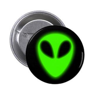 Botón extranjero verde que brilla intensamente pin redondo de 2 pulgadas