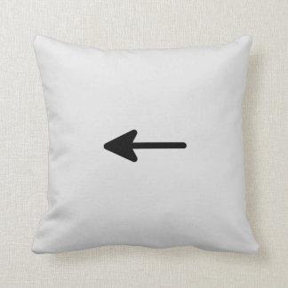 Botón izquierdo de la flecha cojín decorativo