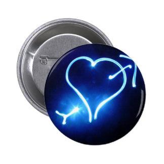 Botón ligero azul del corazón pin