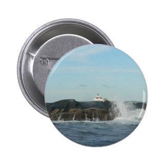 Botón redondo de las ondas que se estrella pins