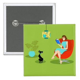 Botón retro de la mujer de la lectura pin cuadrado