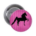Botón rosado bonito de Saddlebred del americano Pin