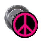 Botón rosado del signo de la paz pin