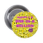 Botón sonriente/feliz de la cara - uno en A millón Pins