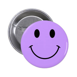 Botón sonriente purpúreo claro de la cara pins