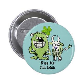 Botón verde de los dibujos animados del trébol de pins