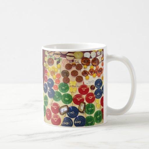 Botones coloridos del vintage taza