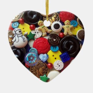 Botones del muñeco de nieve y de los hombres de adorno navideño de cerámica en forma de corazón