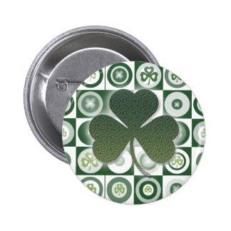 Botones y insignias irlandeses de los tréboles pins