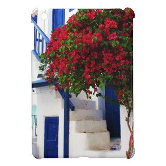 Bougainvillea que crece en casa en Mykonos, Grecia iPad Mini Funda