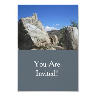 """Boulder grande y cielo azul invitación 3.5"""" x 5"""""""