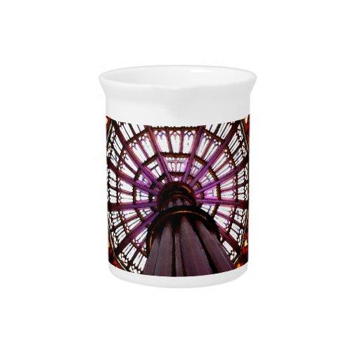 Bóveda del vitral jarra para bebida