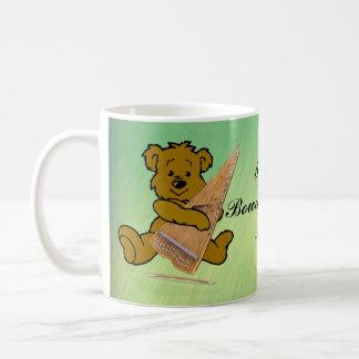 BOWED PSALTERY BEAR-MUG