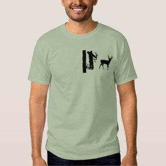 Bowhunter en ciervos del tiroteo de Treestand Camisas