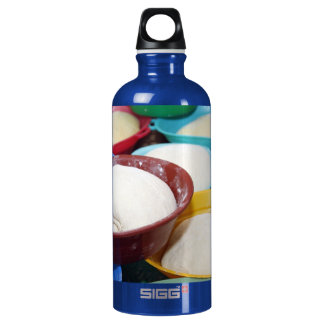 Bowls with bread dough SIGG traveler 0.6L water bottle