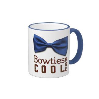 Bowties es fresco taza de dos colores