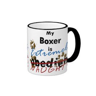 Boxeador extremadamente travieso tazas de café