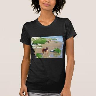 Boxeadores en la camiseta del arte de la playa playeras