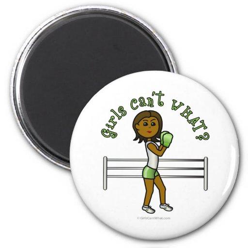 Boxeo para mujer oscuro imán redondo 5 cm