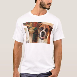 boxer's face weeping of friendly behavior T-Shirt