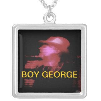 BOY GEORGE COLLAR PLATEADO
