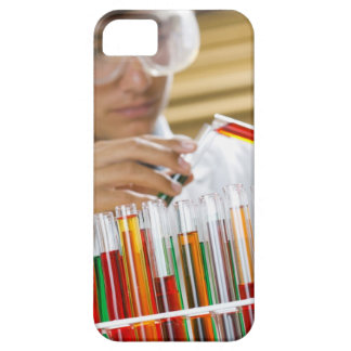 Boy pouring mixture from test tube iPhone SE/5/5s case