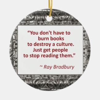 Bradbury en los libros adorno navideño redondo de cerámica