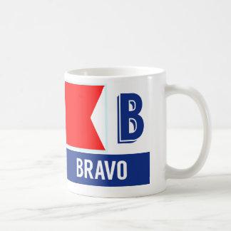 "Bravo náutico del alfabeto ""B"" de la bandera Taza"