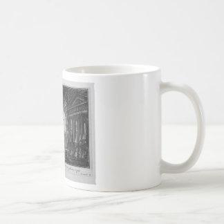 Brazo colgante de la ciudad, y navegado abajo por taza de café