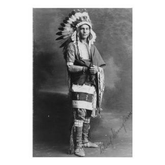 Brazo fuerte del jefe indio del nativo americano cojinete