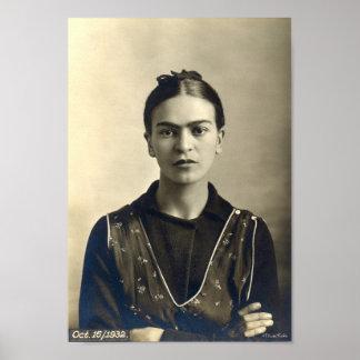 Brazos de Frida Kahlo cruzados Posters