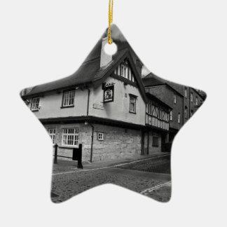 Brazos de los reyes. El pub que inunda Adorno De Navidad
