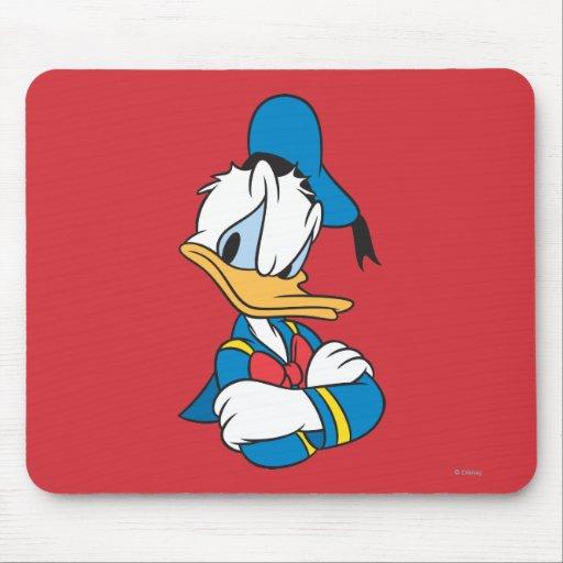 Brazos del pato Donald el   cruzados Tapete De Ratón