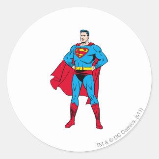 Brazos del superhombre doblados pegatina redonda