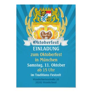 Brazos e invitación bávaros de Oktoberfest de la
