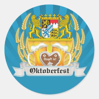 Brazos y pegatina bávaros de Oktoberfest de la