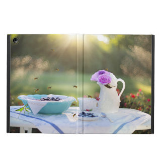 Breakfast with wasps iPad air case