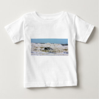 Breaking waves. t-shirt