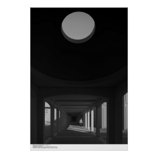 Breezeway, bóveda y pequeña figura, febrero de póster