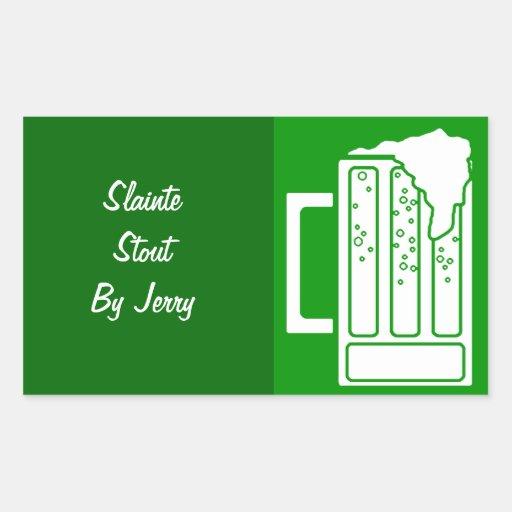Brew casero de la cerveza del verde del día del St