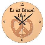 Brezel Uhr: Pretzel O'Clock Oktoberfest Fun