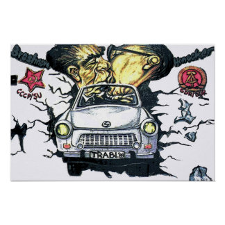 Brezhnev y Honeker coche trabante Berlín pst Posters