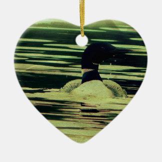 Bribón antiguo de la mirada en el agua adorno de cerámica en forma de corazón