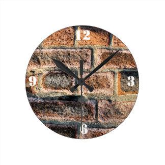BRICKS ROUND CLOCK
