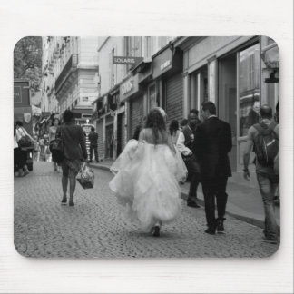 Bride and Groom at Montmartre Mouse Pad