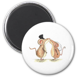 Bride and Groom - Kissing Mice - Gift for Wedding Magnet