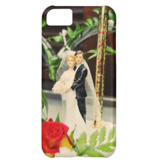 Bride and groom wedding cake topper iPhone 5C cover