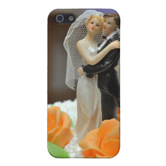 Bride and groom wedding cake topper iPhone 5 covers