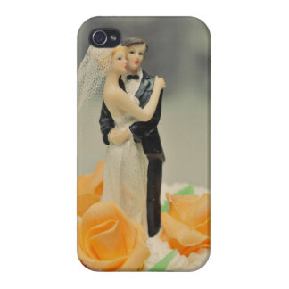 Bride and groom wedding cake topper iPhone 4/4S covers