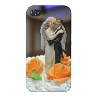 Bride and groom wedding cake topper iPhone 4 cover